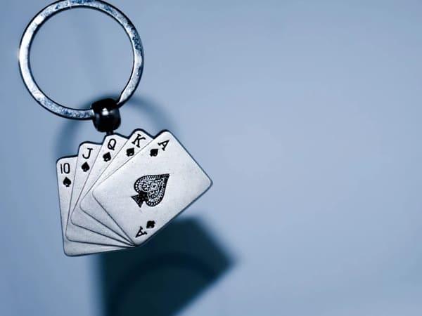 Джекпот в карточных играх