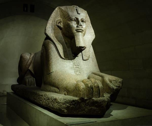 Казино «Фараон» слету насыщает кровь игроков адреналином и нацеливает их на безудержные приключения и эмоциональные всплески.