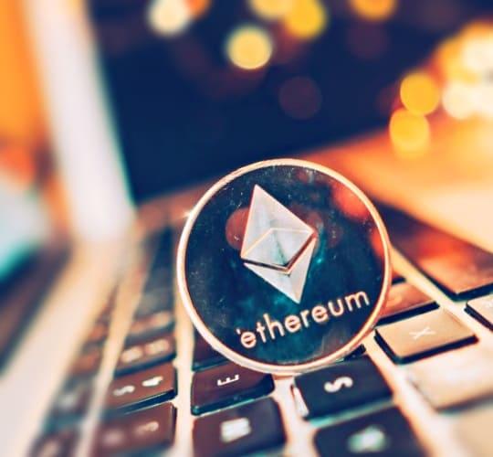 В основе Ethereum лежат «умные контракты»