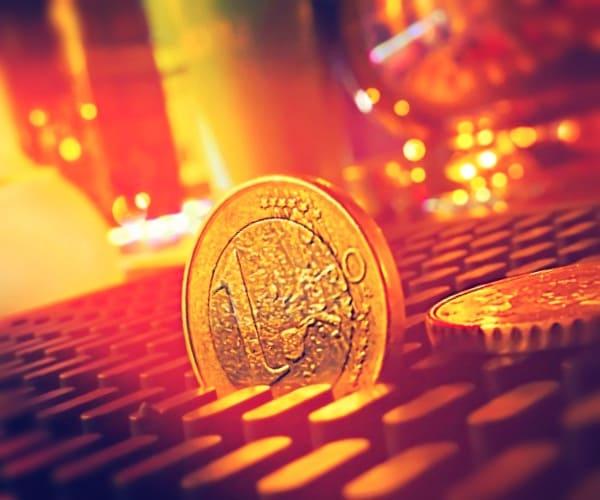 Преимущества и недостатки евро выпусков
