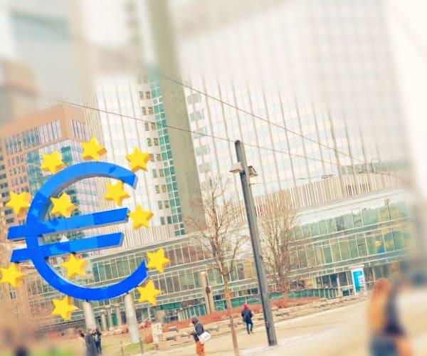 Денежно-кредитная (монетарная) политика государства: краткая теория и пример
